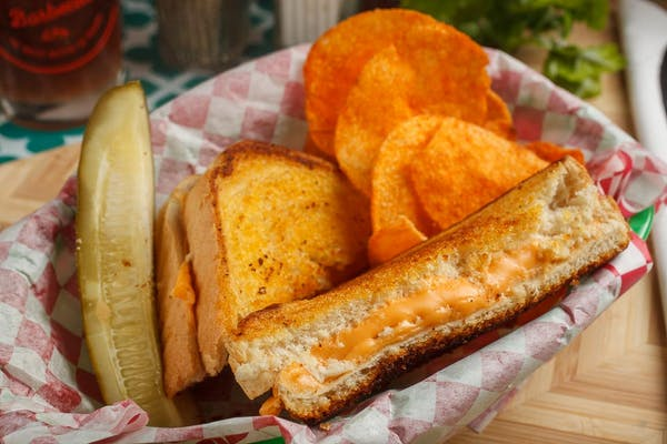 Kid's Grilled Cheese with Chips