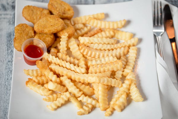 Kid's Chicken Nuggets with Fries