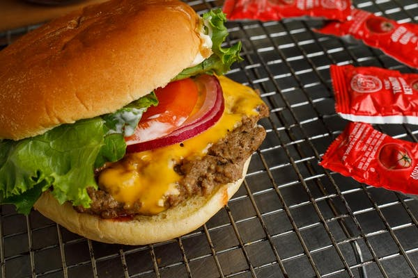 (1/4 lb.) Cheeseburger