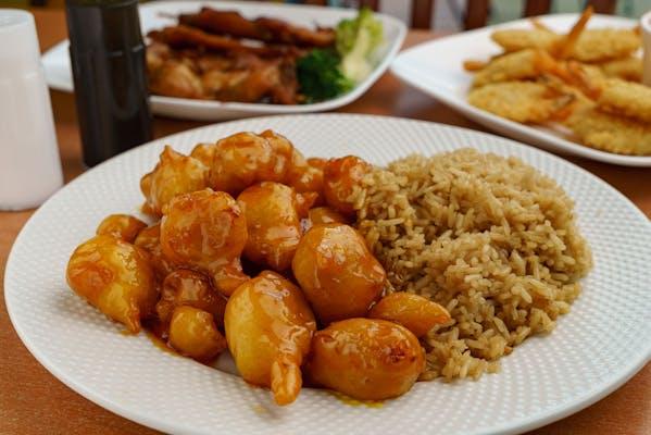 48. Honey Chicken & White Rice