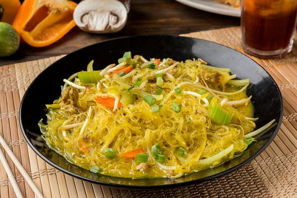 Yellow Stir-Fried Noodles