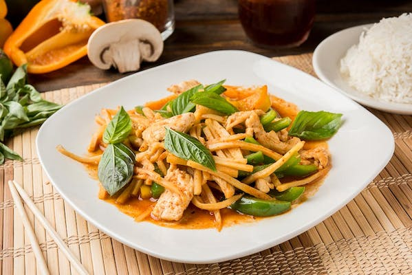 Stir-Fried Red Curry Entrée