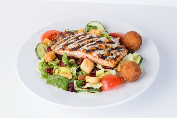 Grilled Salmon Salad