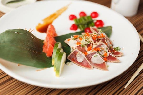 A21. Tuna Tataki Sushi