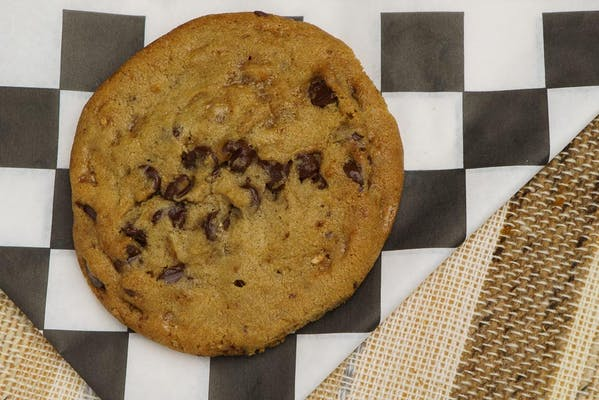 (1) Gourmet Chocolate Chip Cookie