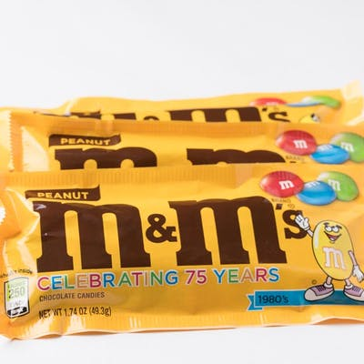 (3.27 oz.) Peanut M & M's