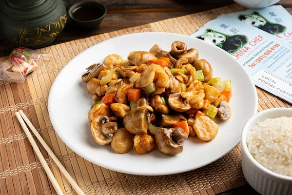 77. Shrimp with Cashew Nuts