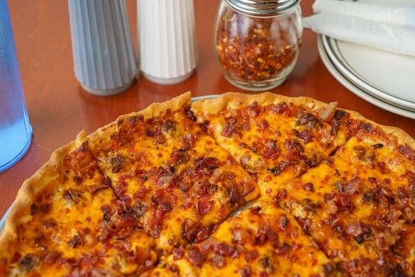 Bacon Cheesburger Pizza