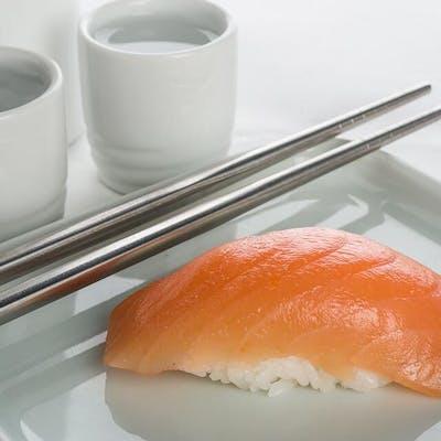 Salmon Nigiri (Sake)