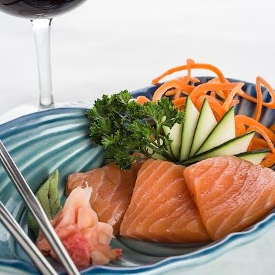 Salmon Sashimi (Sake)