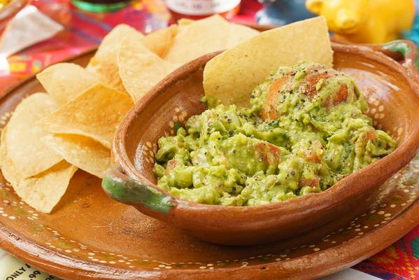 Medium size Guacamole with Chips