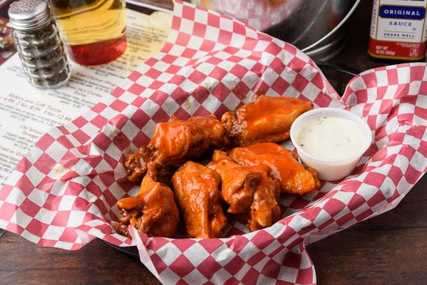 Fried or Grilled Chicken Wings