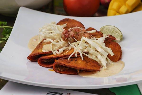 Enchiladas Classicos Plate