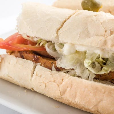 Grilled Chicken Poboy