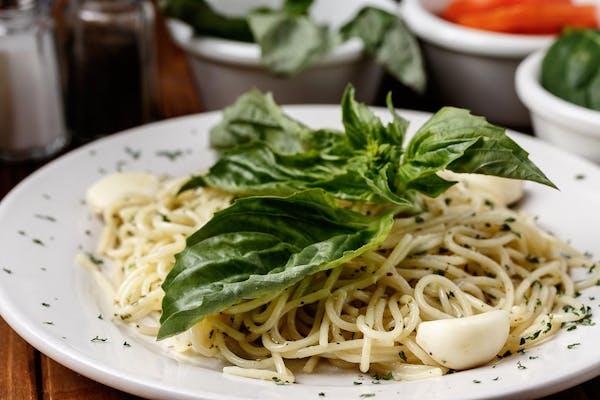 Spaghetti with Olive Oil, Garlic, & Basil