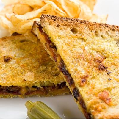 Bacon & Cheddar Grilled Cheese Sandwich