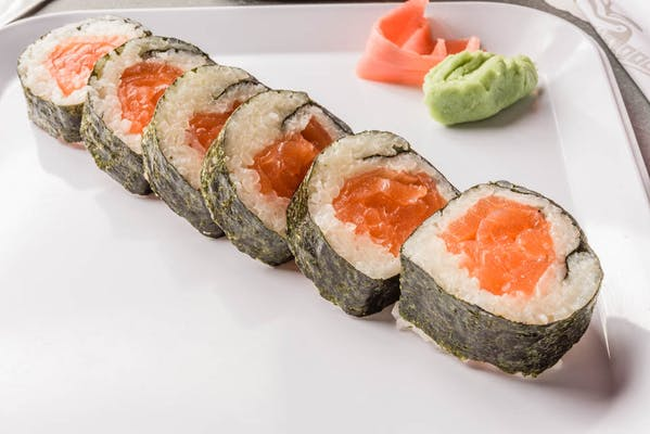 Salmon Roll (Crunchy or Regular)