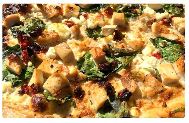 Chicken Roma Pizza