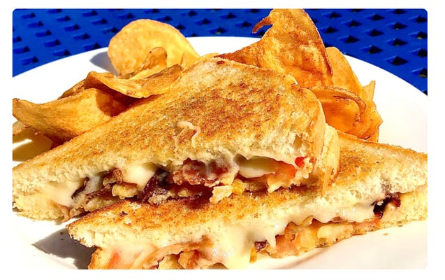 Shelby Grilled Cheese Sandwich & Chips