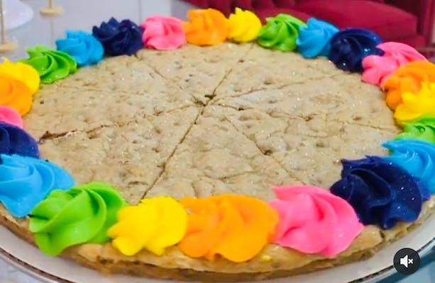 "Slice of Chocolate Chip Cookie Cake - ""Basic"" Decoration"