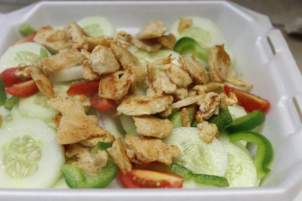 Top's Salad with Grilled Chicken