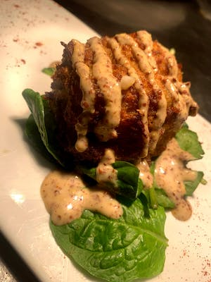 Jumbo Lump Crab Cake Plate