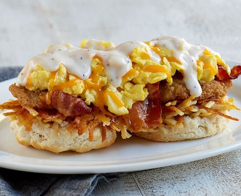 Southern Smothered Biscuit Platter w/ Chicken and Bacon