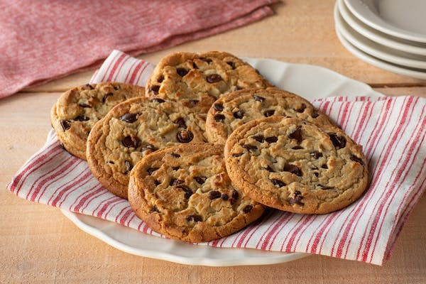 6 Chocolate Chip Cookies