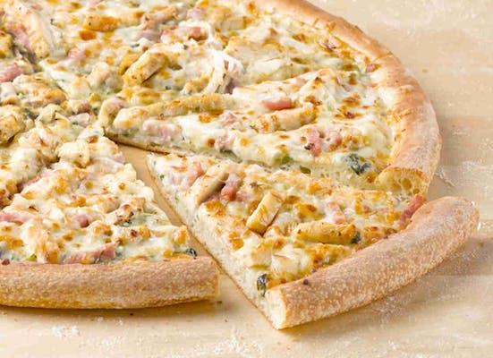 Cheesy Chicken Cordon Bleu Gourmet Pizza