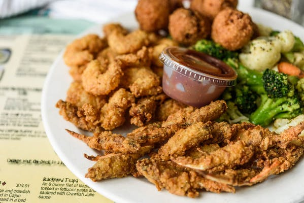 Fried Seafood Combo Platter