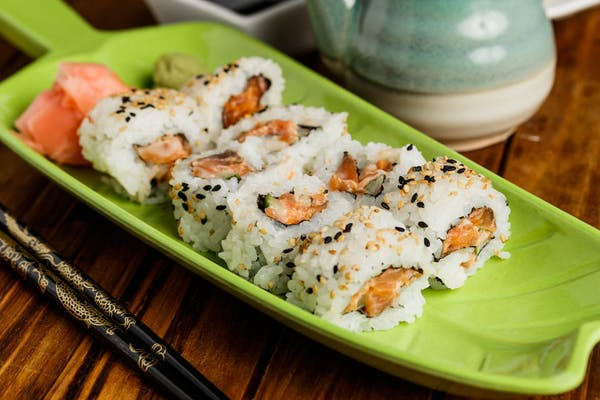 Traditional Spicy Salmon Roll