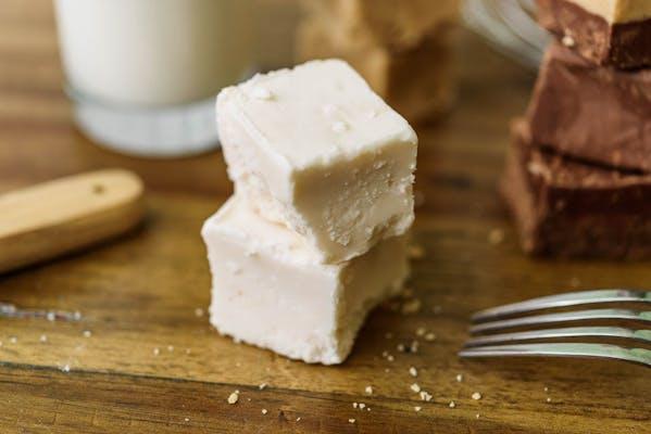 (1) White Chocolate Fudge