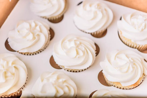 (12) Party Size Cupcakes, with (1) flavor of your choice.