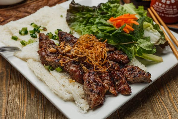 19.03 Vermicelli Square with Chargrilled Beef