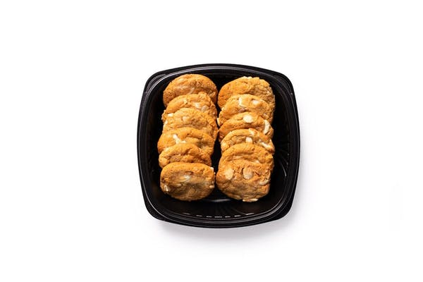 12 White Chocolate Macadamia Nut Cookies