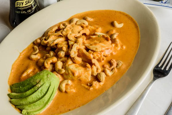 Chicken Massaman with Avocado (Lunch)
