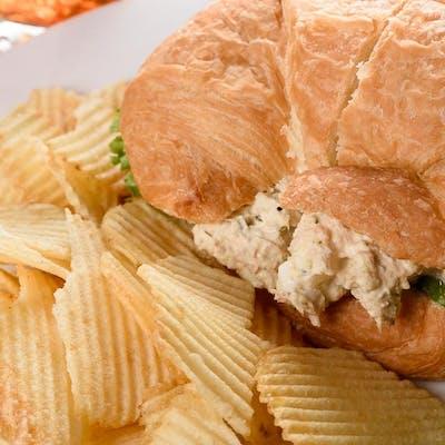Spicy Tuna Olé Sandwich