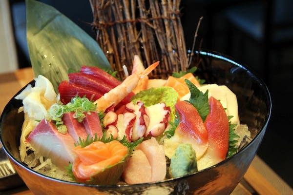 Sashimi Deluxe Combo