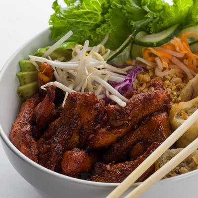 Grilled Marinated Chicken & Vermicelli Noodles