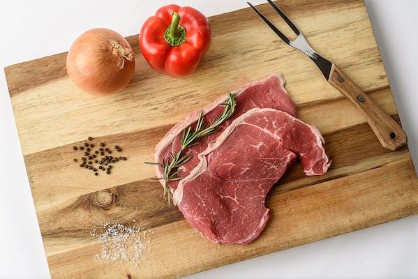 Boneless Shoulder Steak Family Pack (2.7 lb.)
