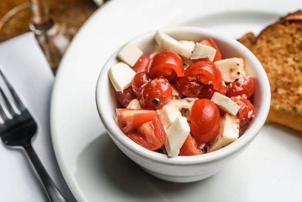 Tomato, Basil & Fresh Mozzarella
