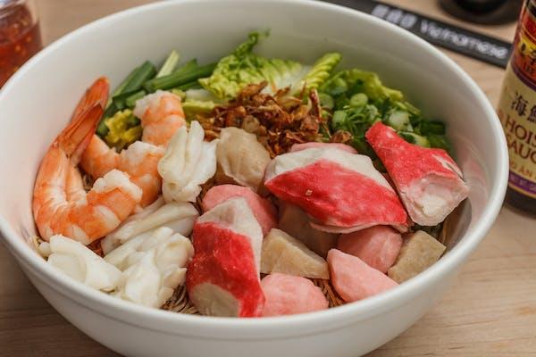 34.1 Seafood Egg Noodles (Dry)