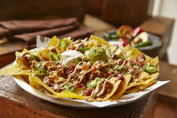 Tex-Mex Nachos - Chili
