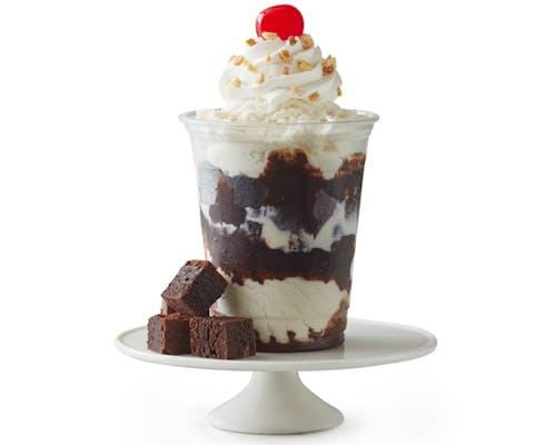 Fugde Brownie Delight Sundae (16 oz)