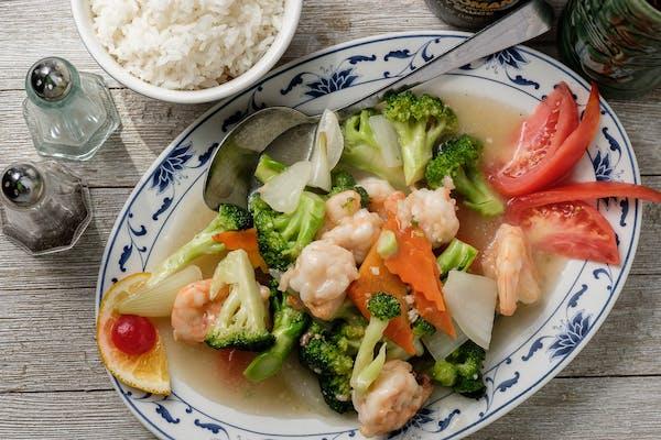 28. Shrimp with Fresh Broccoli