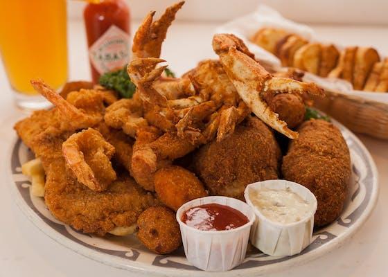 Schooner Deluxe Seafood Platter