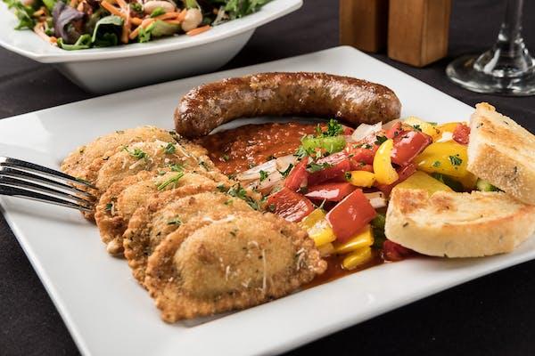 Stromboli w/ Sausage, Peppers & Onions Entrée