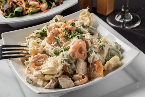 Tortellini w/ Grilled Chicken Entrée