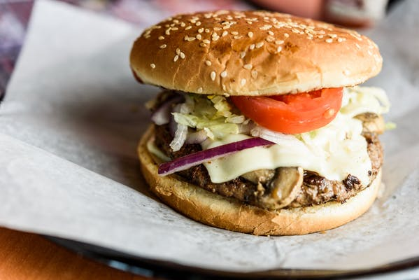 M.O.A.B. (Mother of all Burgers)