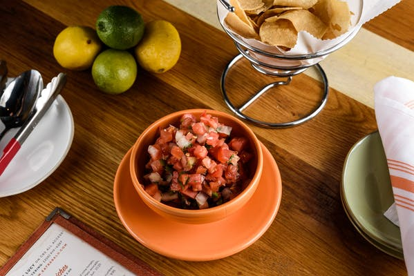 Pico de Gallo & House Chips